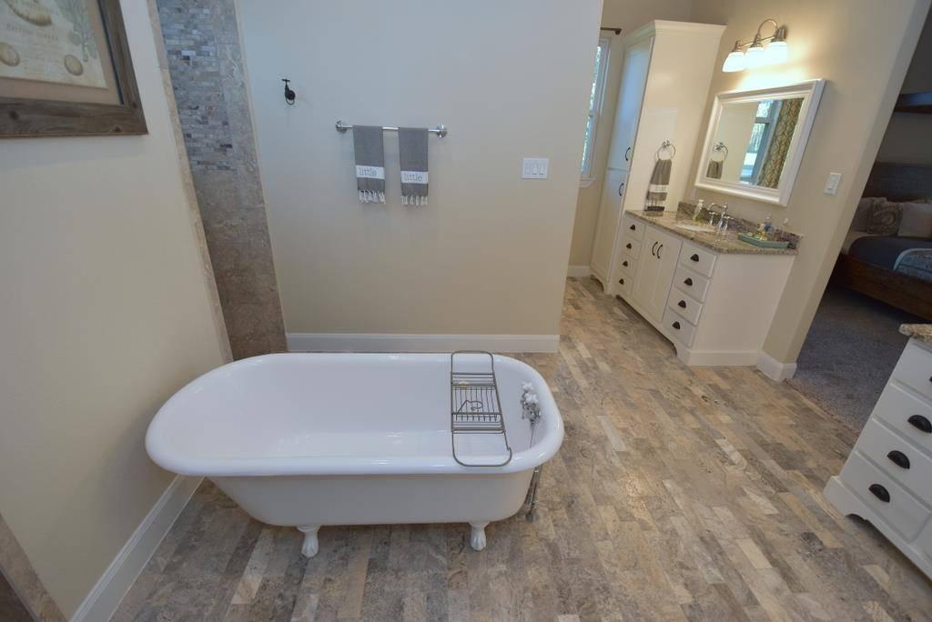 Master Bath image of Tres Le Fleur House Plan
