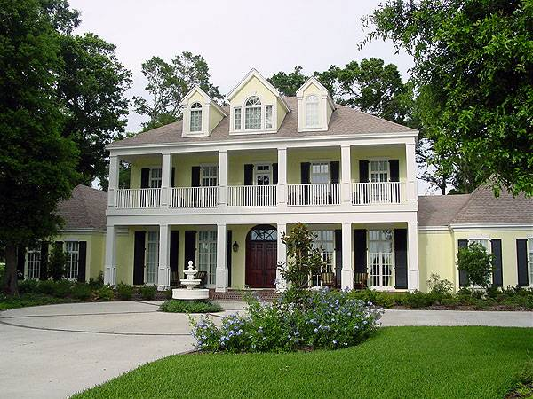 Colonial House Plan with 4 Bedrooms and 45 Baths Plan 3612
