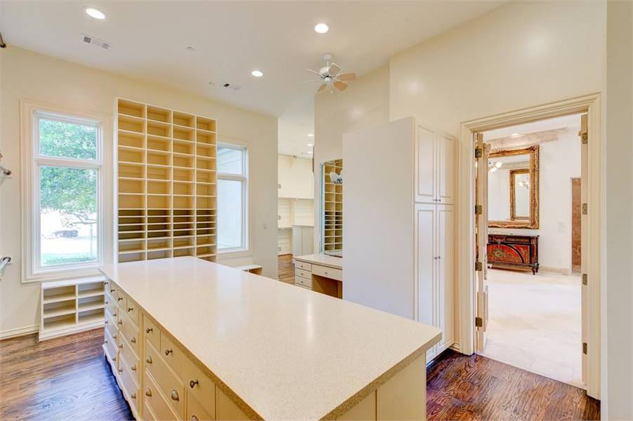 Master Wardrobe by DFD House Plans