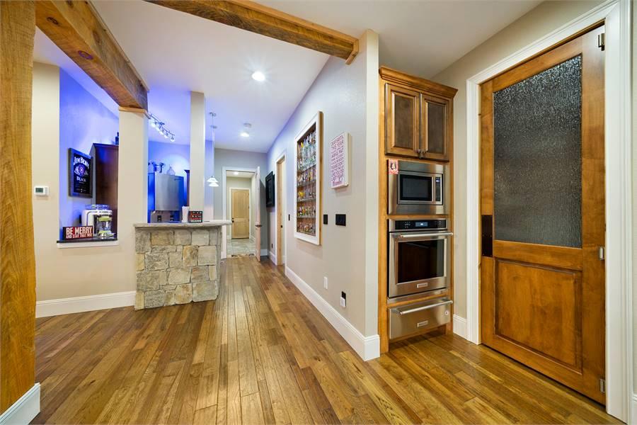 Kitchen / Home Bar