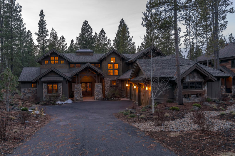 Front Photo image of Magnificent Mountain House Plan