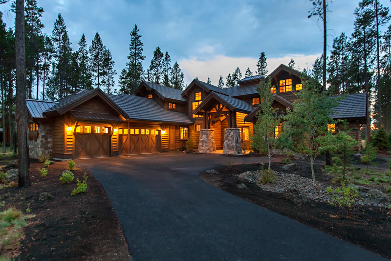 Front Night Photo image of Magnificent Mountain House Plan
