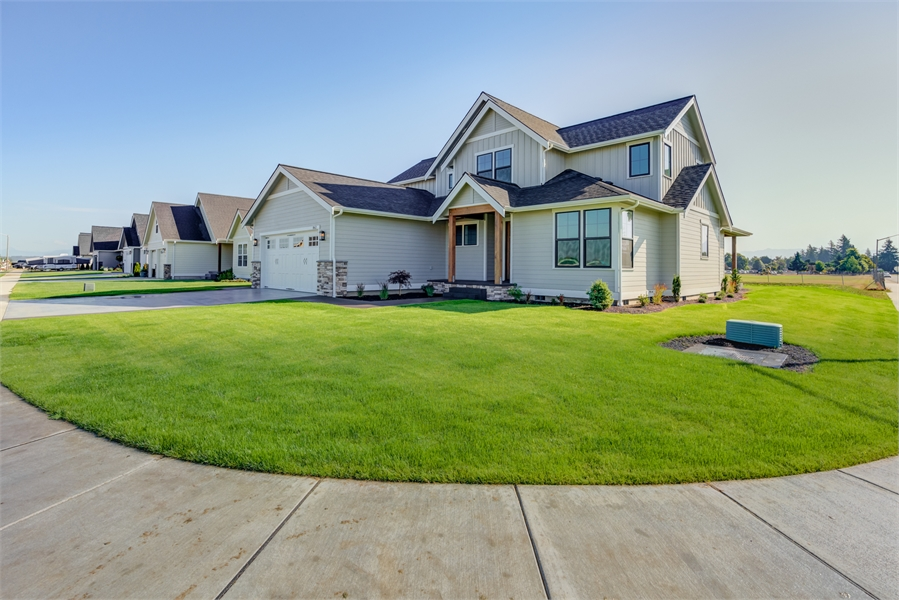 Front image of Cont. Farmhouse 819 House Plan