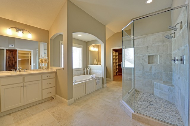 Owners' Bathroom